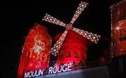 Moulin Rouge - 130 năm say đắm trong vòng quay cối xay gió Đỏ