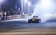 Xem màn trình diễn tốc độ của những chiếc xe đua F1 tại Hà Nội