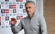 Mourinho: 'Bạn có biết M.U sẽ tốn bao nhiêu nếu sa thải tôi không?'