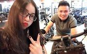 Bạn gái hot girl 'bốc lửa' làm điều bất ngờ và phản ứng của cầu thủ Quang Hải