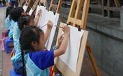 Khoảng 300 thiếu nhi thi vẽ tranh 'Em yêu Hà Nội - Thành phố vì hòa bình'