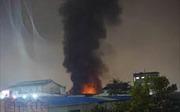 Cháy lớn thiêu rụi Công ty may mặc Makalot Việt Nam