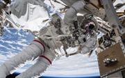 NASA lắp đặt 'bến đỗ' cho tàu vũ trụ thương mại trên ISS