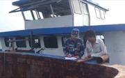 Cảnh sát biển tạm giữ tàu vận chuyển hàng hóa trái phép