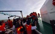 Cảnh sát biển điều động tàu ra đảo cấp cứu sản phụ