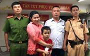 Bé trai người Chăm 7 tuổi lạc bố mẹ khi đi xem đội tuyển Việt Nam đá với Malaysia