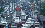 TP Hồ Chí Minh mưa lớn, nhiều tuyến đường xảy ra ùn tắc kéo dài