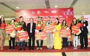 Đón những du khách đầu tiên đến 'xông đất' TP Hồ Chí Minh đầu năm 2019