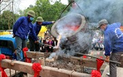 Lễ đúc chuông chùa Côn Sơn