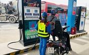 Giá xăng tăng tiếp hơn 700 đồng/lít