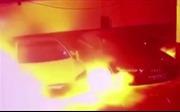 Xe điện Tesla bùng cháy như ngọn đuốc trong bãi đỗ xe