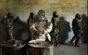 Thủy quân lục chiến Mỹ vật vã vì tập hít hơi cay