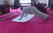 Tổng thống Uganda đăng video tập thể dục đề nghị người dân không ra đường vì COVID-19