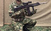 Nhật Bản ra mắt súng trường mới, chịu được nước và cát bụi