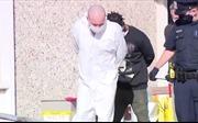 Cảnh sát Mỹ bắt kẻ đâm chết bố đẻ rồi tẩu thoát
