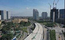 Cận cảnh cây cầu cạn Mai Dịch - Nam Thăng Long đang được gấp rút hoàn thành