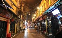 Quán bar, cửa hàng trong phố cổ Hà Nội đồng loạt đóng cửa chống dịch COVID-19
