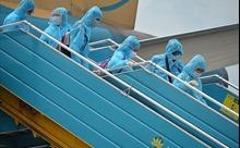 199 du khách bị mắc kẹt tại Đà Nẵng đã về đến Hà Nội