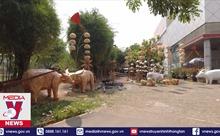 Độc đáo linh vật đường hoa Nguyễn Huệ tết Tân Sửu 2021