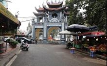 Đền, chùa Hà Nội vắng lặng trước ngày rằm tháng Giêng