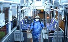 Khử khuẩn, giãn cách để đảm bảo an toàn trên các tuyến xe buýt mùa dịch COVID-19