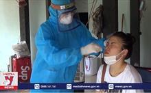 Những chiến sỹ áo trắng nơi tuyến đầu chống dịch