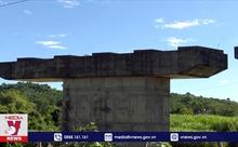 Cây cầu xây 11 năm vẫn chưa xong