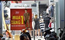 Các shop thời trang Hà Nội phấn khởi dọn dẹp mở cửa kinh doanh trở lại