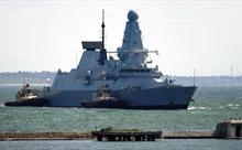 Anh nói sẵn sàng vào lại vùng biển Crimea, Nga cảnh báo có quyền đánh bom mục tiêu