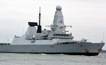 Nga tung video chiến đấu cơ bay trên tàu chiến Anh trong vụ bắn cảnh cáo