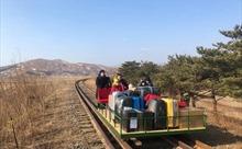 Nhóm nhà ngoại giao Nga tại Triều Tiên đẩy xe goòng về nước