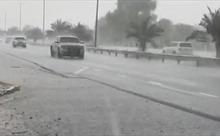 Video Dubai tự tạo mưa gió xối xả giữa nắng hạn 50 độ C