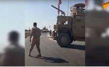 Video lính Syria chặn đoàn xe quân sự Mỹ, buộc phải quay đầu