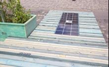 Vỉa hè lát nhựa tái chế cung cấp năng lượng mặt trời