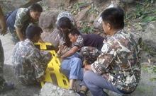 Thai phụ sống sót thần kỳ sau khi bị chồng đẩy xuống vách đá ở Thái Lan