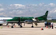 Phi công thoát nạn kỳ diệu trong vụ va chạm khiến máy bay gần như đứt đôi