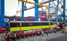 Những toa tàu đầu tiên của dự án đường sắt Nhổn - Ga Hà Nội về đến Việt Nam