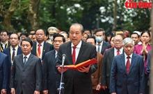 Đoàn đại biểu các dân tộc thiểu số dâng hương Đền thờ các Vua Hùng