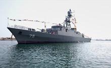 Vừa lần đầu khám phá Đại Tây Dương, Iran trình làng tàu khu trục tự đóng mới