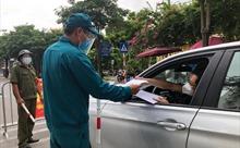 Màu áo xanh tin cậy tại các chốt kiểm dịch ở Thủ đô