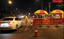 Xuyên đêm kiểm tra y tế phòng dịch COVID-19 tại các cửa ngõ TP Hồ Chí Minh