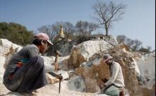 Đến thăm ngôi làng Myanmar mưu sinh bằng cẩm thạch