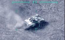 Máy bay không người lái Azerbaijan thả tên lửa làm nổ tung xe tăng Armenia