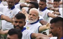 Thủ tướng Ấn Độ ca ngợi yoga là 'khiên chống COVID-19'