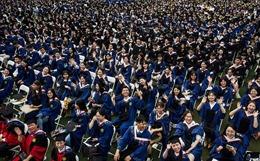 11.000 sinh viên không đeo khẩu trang dự lễ tốt nghiệp tại Vũ Hán