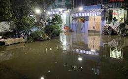 Triều cường vượt báo động 3, nhiều nơi ở TP Hồ Chí Minh bị ngập nặng
