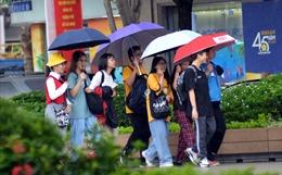 Người dân TP Hồ Chí Minh bắt đầu lơ là, không đeo khẩu trang nơi công cộng