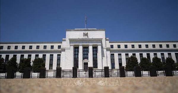 Giới chức FED cảnh báo kinh tế Mỹ rơi vào suy thoái kép