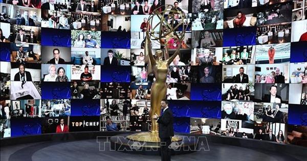 Emmy 2020: Những chuyện bên lề lễ trao giải