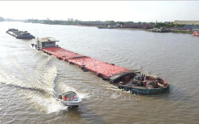 Thúc đẩy phát triển vận tải thủy nội địa và vận tải ven biển